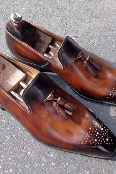 Handmade Men's Tasselled loafers with a single leather sole in two tone Cognac